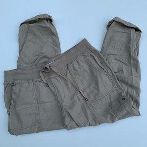 Sonoma Women's Khaki Capris Size 16